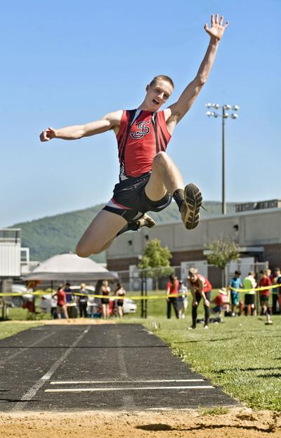 Versatile General: Banks does it all in track and field for Stonewall