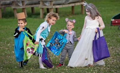 Alice In Wonderland Halloween Costume Family.Alice In Wonderland Is Family S Halloween Theme Local News
