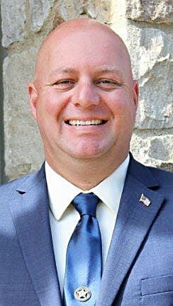 Winchester policeman announces campaign for sheriff