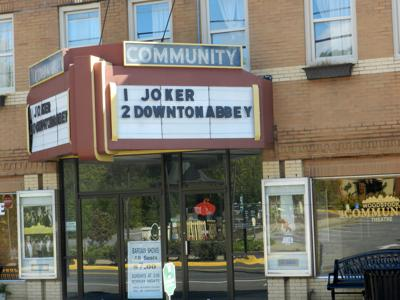 GIFT_GUIDE_COMMUNITY THEATER