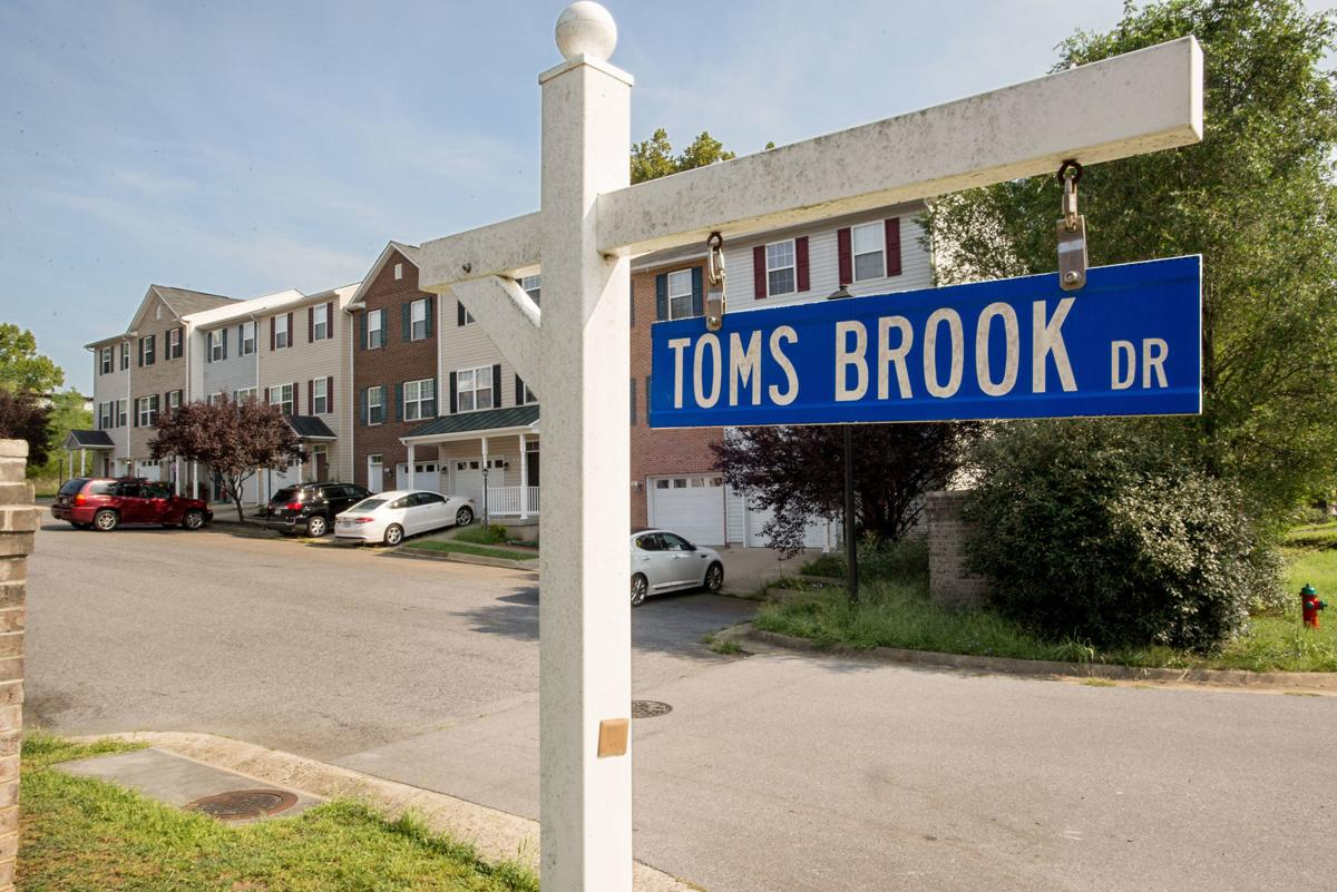 MURDER_22 TOMS BROOK DR1