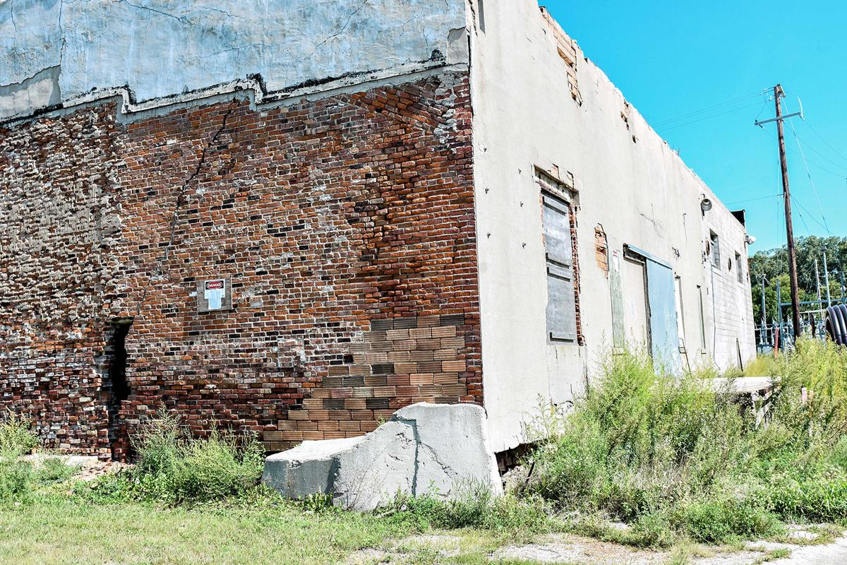 Dangerous building: Thermo Cel exterior