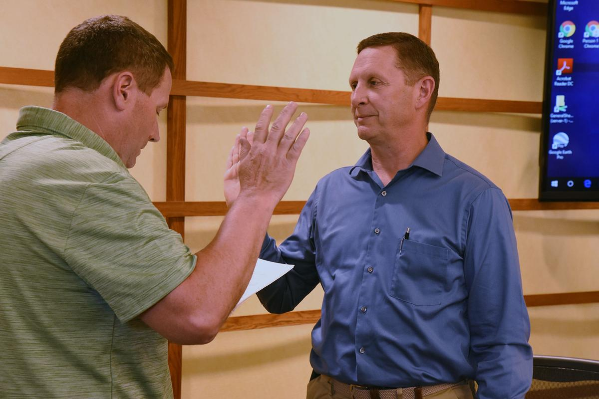Krahling sworn in as Sioux Center mayor