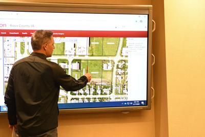 Developer seeks to build apartment complex