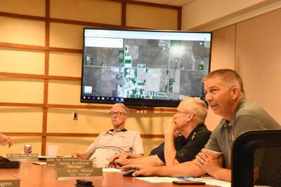 Wynja talks housing at city council