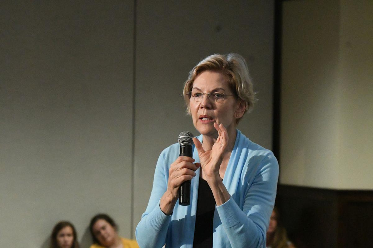 Elizabeth Warren speaks in Orange City
