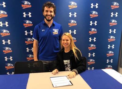 Hardin signs to run in college