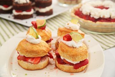 Strawberry Recipes 042121 5220 WEB.jpg