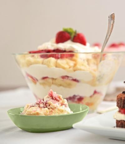 Strawberry Recipes 042121 5269 WEB copy.jpg