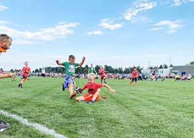 Sioux Center flag football first-graders