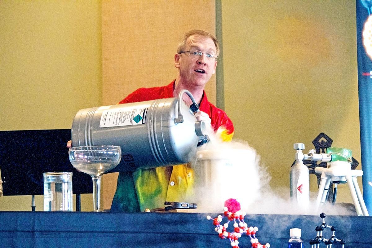 Chemistry show visits Primghar, Sutherland