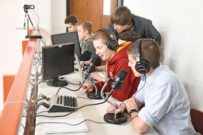 S-O students livestream play-by-play