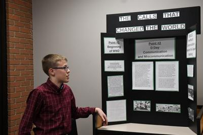 Sheldon students show history projects