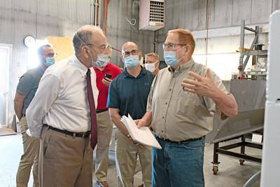 Chuck Grassley tours Sudenga Industries