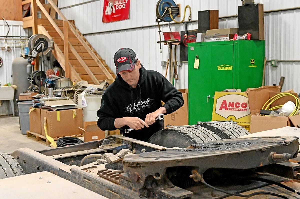 N'West Iowa truckers talk year of COVID
