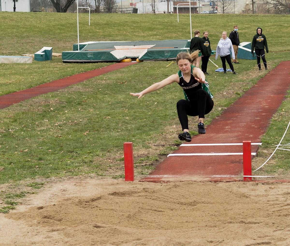 Holtman's 40-point performance lifts Spoofhounds to third place finish at Joe Shy Relays