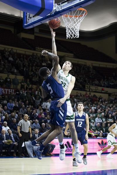 Men's Basketball Ryan Hawkins // MIAA