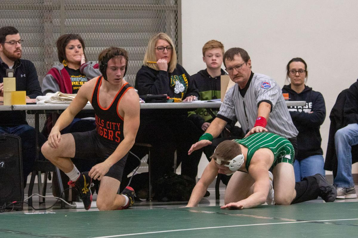 Maryville wrestling drops both matches of tri-dual due to a mirage of absences