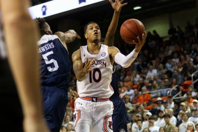 New Look Auburn Debuts With 83 74 Win Over Georgia Southern