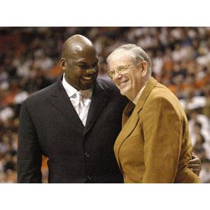 Auburn Basketball Pearl Names Tigers Legend Chuck Person As