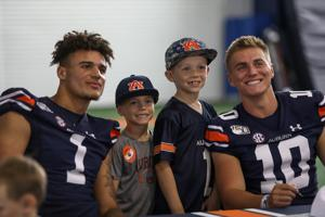 Auburn supporters brave long lines for fun-filled Fan Day