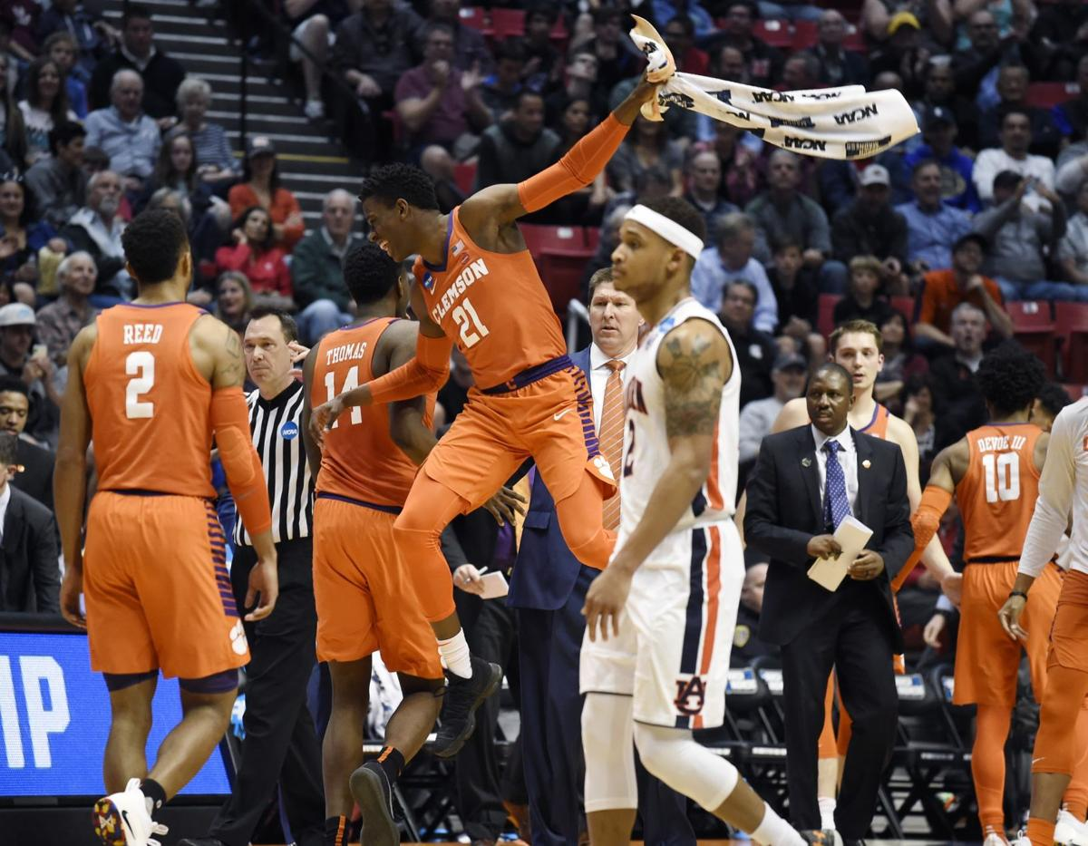 Auburn's season ends with blowout loss to Clemson in NCAA ...