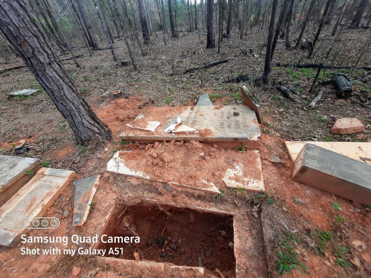 Jones grave.jpeg