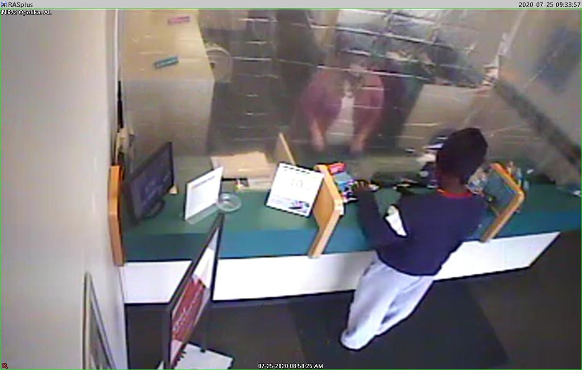 Center 1672 Opelika AL Robbery July 25 2020 suspect pic 1.jpg