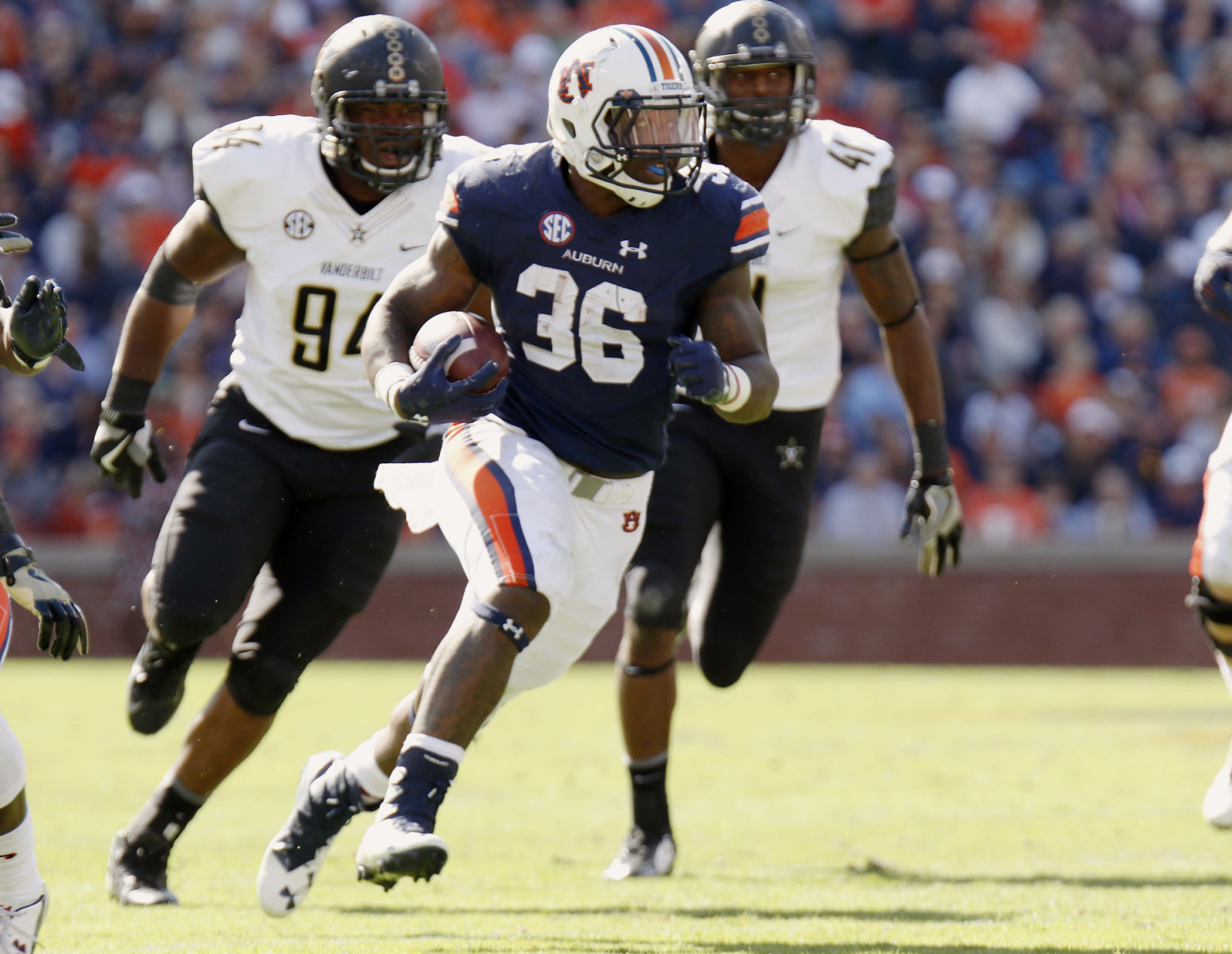 Auburn's Kamryn Pettway named to Doak Walker Award watch list