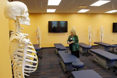 Auburn's new medical school hosts first day for students