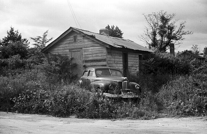 William Wright photographs Draketown neighborhood in Auburn