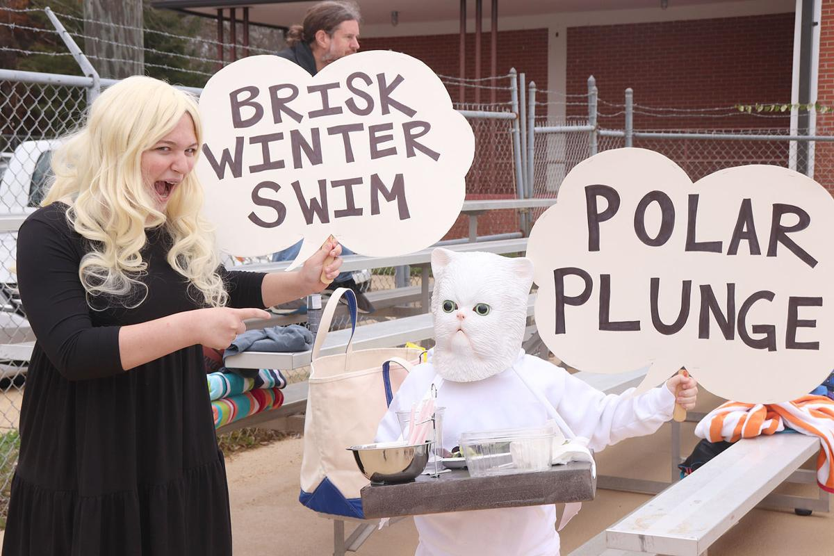 lee county polar plunge - yelling at cat