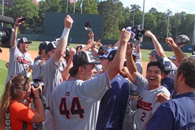 Auburn celebrates Super Regional win, College World Series berth