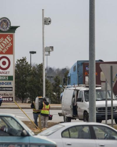 Opelika's traffic-light cameras now live, citing violators | Opelika