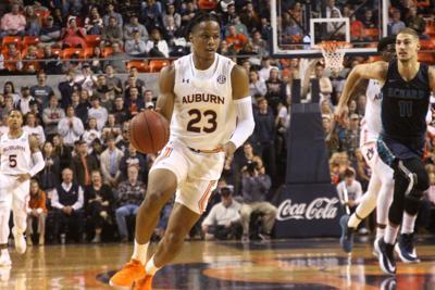 Auburn Men S Basketball Slams Eckerd 97 53 In Preseason