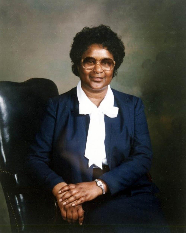 Bessie Mae Holloway