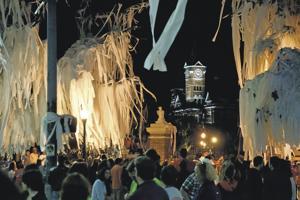 Auburn University's rolling of Toomer's Corner oaks named top sports tradition