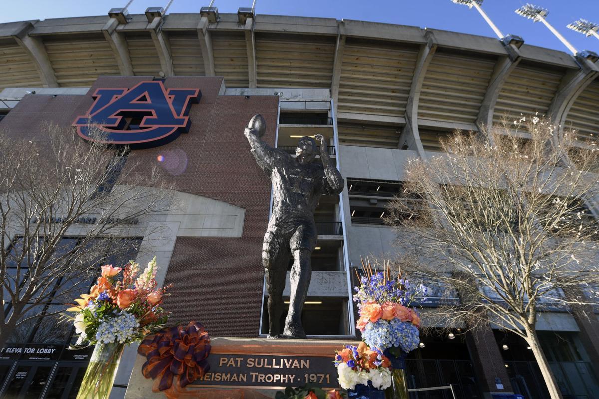 Auburn Heisman Winner Pat Sullivan Statue