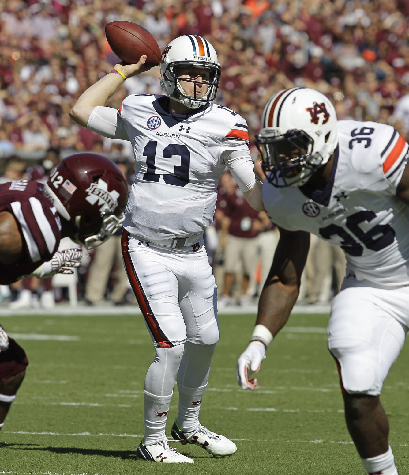 Eagles stymied in 41-7 loss at Auburn