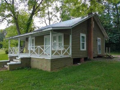 1 Bedroom Home in Lannett - $39,900