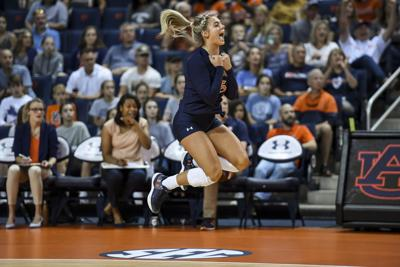 Burning bad memories, new Auburn volleyball team focused on fun in 2019