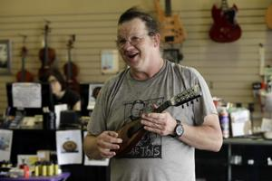 Auburn Guitar Shoppe closes retail portion after decades of service