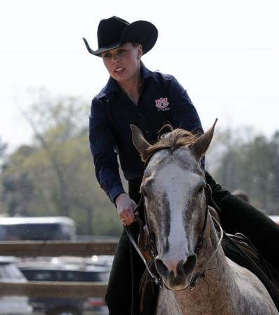 Sec Equestrian Auburn Tops Texas A Amp M Advances To