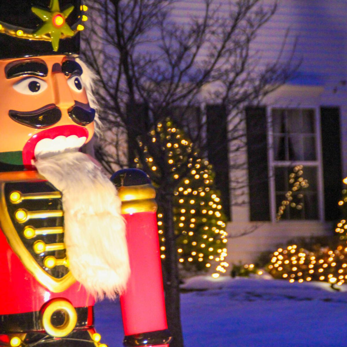 Where to find Christmas light displays in Auburn Opelika this