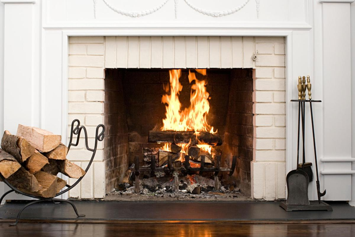 20200830_com_fireplace 2.jpg