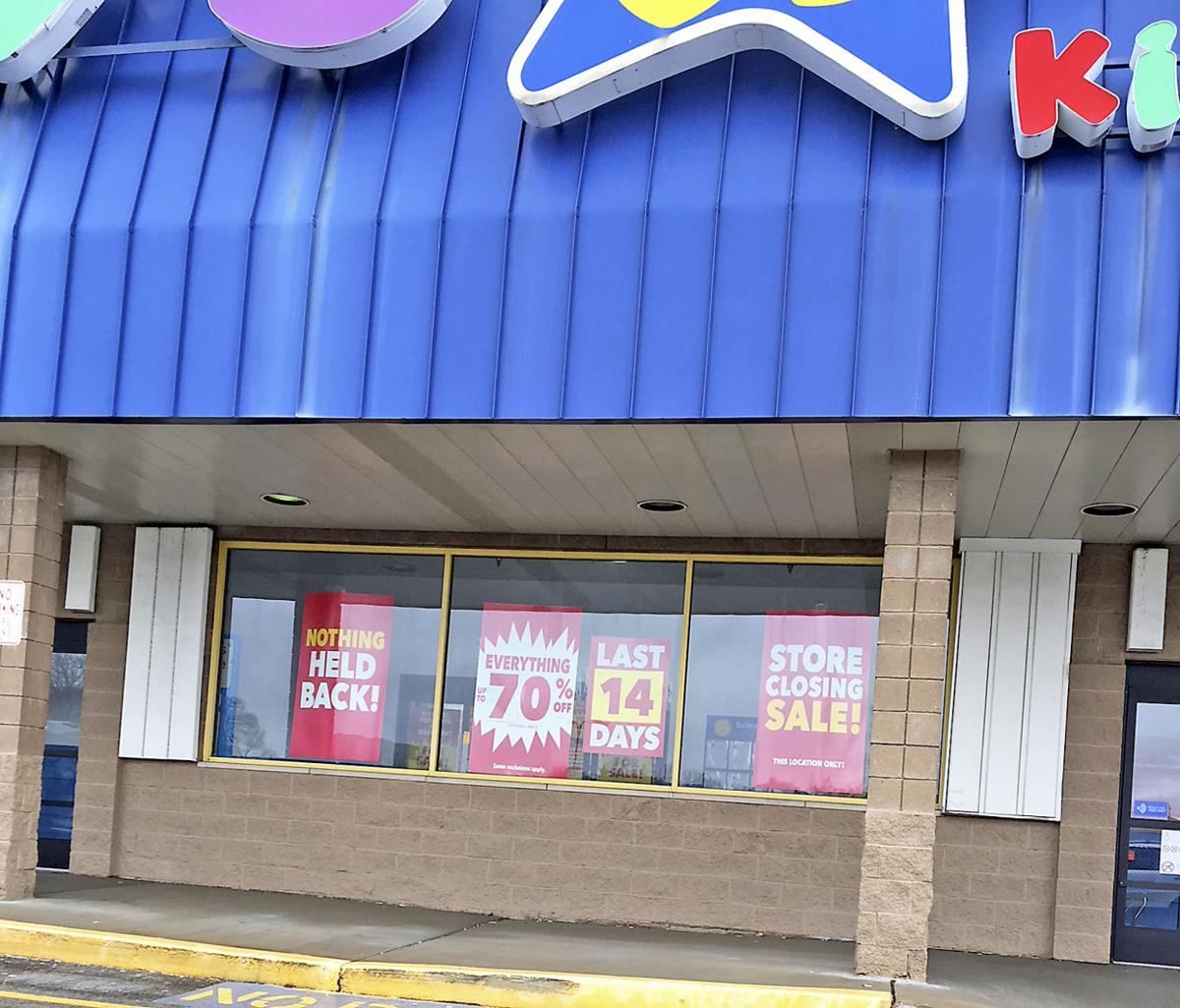 Toys R Us Closing Sign : Toys r us here closing no later than april business