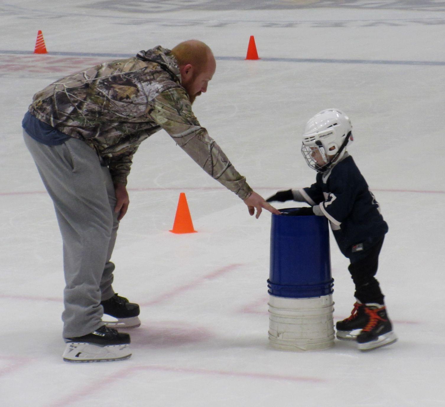 Ice Hockey Kids Children/'s Kid/'s T-Shirt Skating Sport Rink Hobby Cool Gift