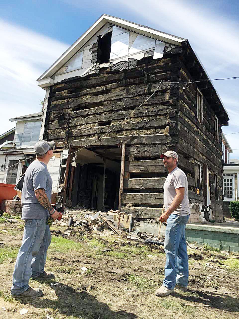 Brownsville log house
