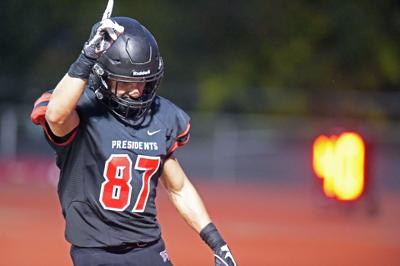 W&J's Zubik scorches Thomas More for 6 TDs in win