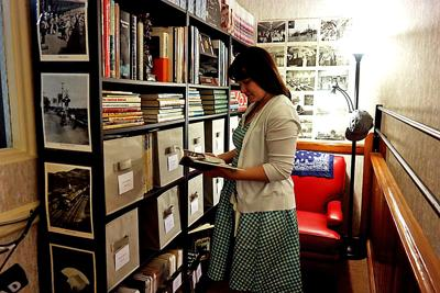 Kruger Street Toy Museum opens library